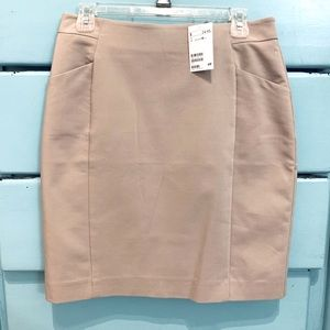 Women's Midi Skirt With Small Pockets